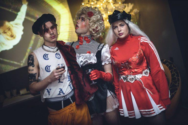 """Performeriai """"Club Kids"""": kas tie vaikinai dažytomis lūpomis?"""